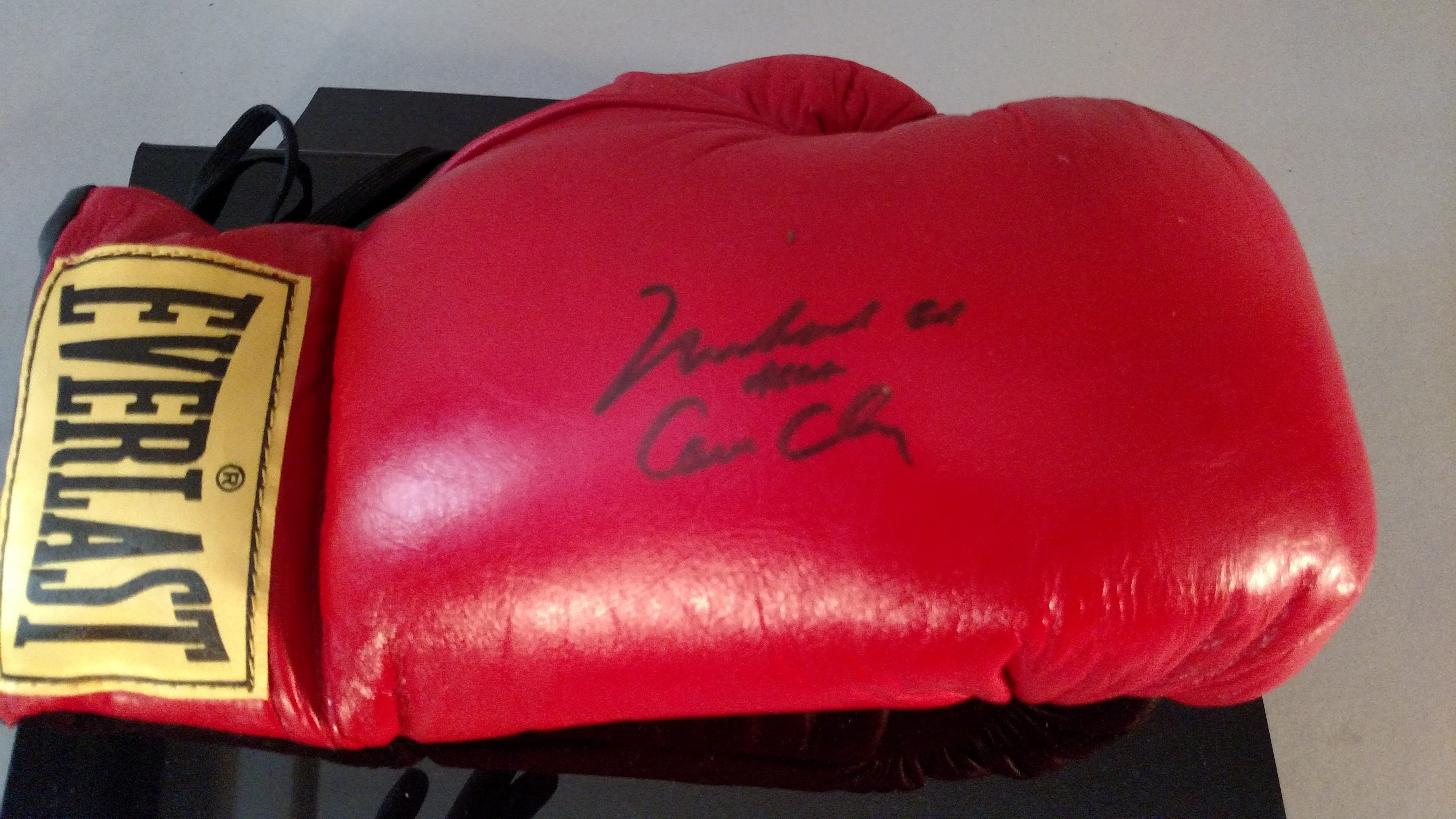 6516fed6cfb Muhammad Ali aka Cassius Clay Signed Boxing Glove